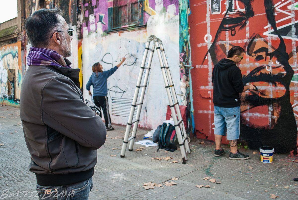 pintando graffitis