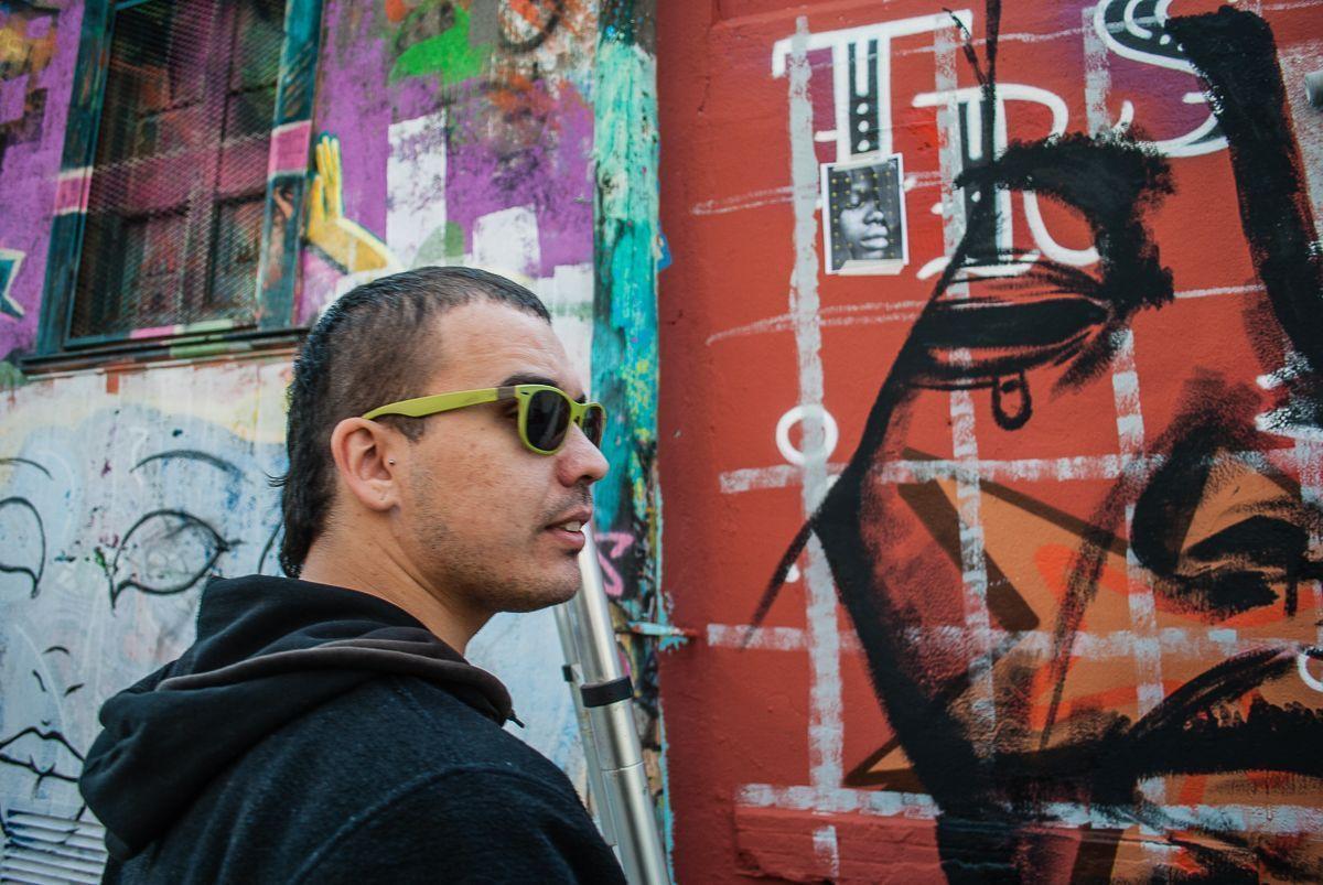 Foto retrato de Marc Eslic, grafitero de Barcelona